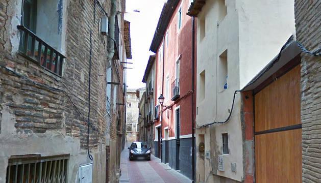 Vista parcial de la calle Serralta de la capital ribera.