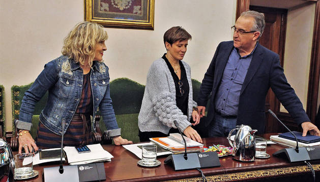 Los regionalistas María Caballero, Ana Elizalde y Enrique Maya.calleja