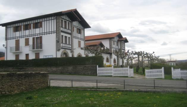 Exterior del edificio que alberga en Larraintzar la Casa Consistorial de Ultzama.
