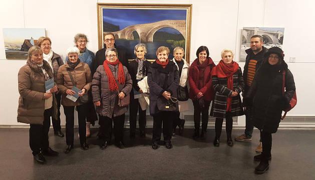 Participantes en la primera parte de la exposición conjunta, que ayer se inauguró en Aoiz.