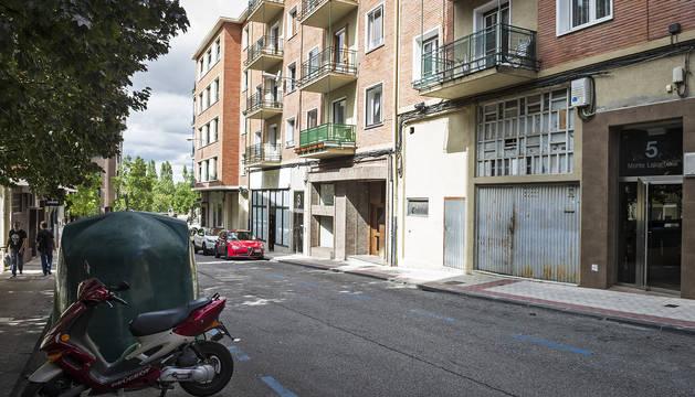 Los hechos ocurrieron en la acera del número 5 de la calle Monte Lakartxela.