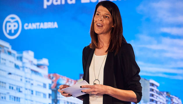 La candidata a la Presidencia de Cantabria, Ruth Beitia, durante el acto de presentación del Partido Popular de su candidatura.
