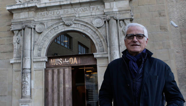 El Museo de Navarra 'broncea' sus puertas
