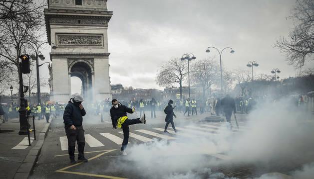 Al menos 20 detenidos en  la novena manifestación de los 'chalecos amarillos'