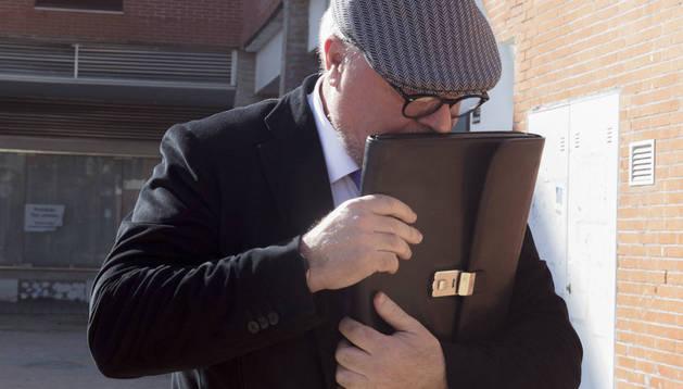 Suspendidas durante dos meses las llamadas de Villarejo a su mujer