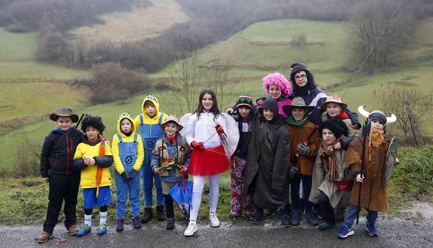 Uitzi es uno de los primeros pueblos navarros en celebrar los Carnavales. Una semana después de la festividad de los Reyes Magos, los uitzarras se disfrazan y salen a las calles