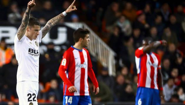 Santi Mina celebra el primer gol marcado al Sporting de Gijón.