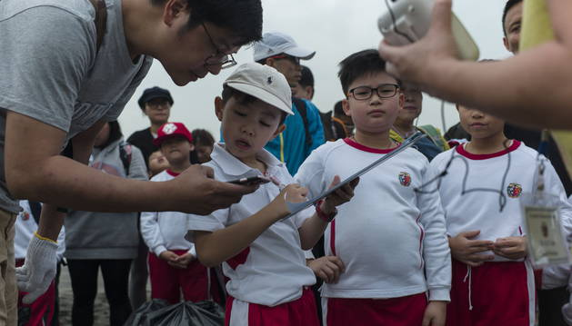 Niños de primaria de un colegio de la región china de Hong Kong.