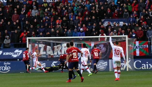 Imágenes del partido Osasuna-Mallorca disputado en El Sadar.