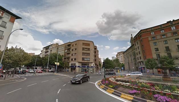 Herida grave una mujer de 65 años tras ser atropellada en la plaza de Merindades