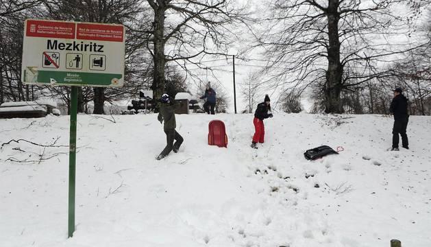 La alerta por nieve afecta al centro y al norte de la Comunidad foral