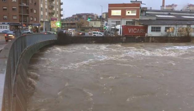 Crecida del río Ulzama en el puente de Villava