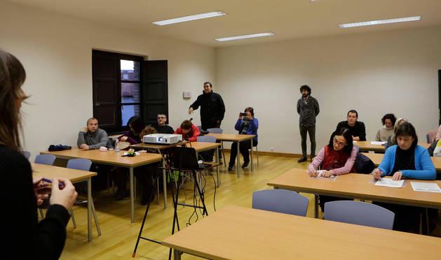 Participantes el pasado jueves en la presentación del prediagnóstico del proyecto 'Caminos escolares de Sangüesa'.