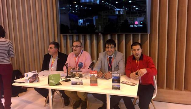 Desde la izda., Ignacio Domínguez, Valentín García, Mario Fabo y Juan Carlos Castillo en Fitur.
