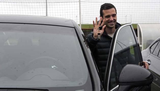 Miguel Flaño se despidió ayer en Tajonar de compañeros y empleados. Se fue a Córdoba en coche.