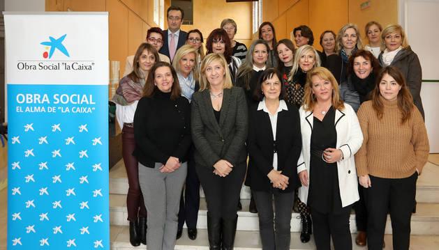 foto de Asistentes al acto de entrega de diplomas del programa 'Mentoring para la inserción laboral de mujeres'