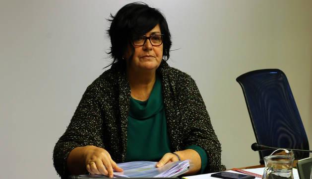 La directora gerente de Sodena, Pilar Irigoien, en la comisión de Davalor en el Parlamento de Navarra.