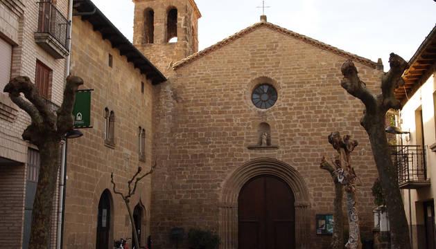 Fachada del Convento del Carmen de Sangüesa, hoy sede de la escuela de música y del auditorio.