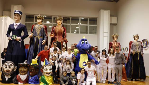 Imagen de parte de los participantes en la jornada celebrada en el colegio público de Castejón.