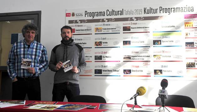 Foto de Iñaki Lerga (dcha.) y Atxu Ayerra presentaron la programación.