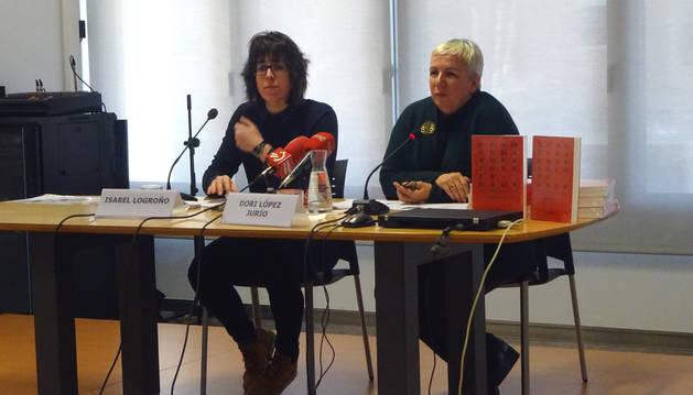 Isabel Logroño y Dori López Jurío, durante la presentación del libro.