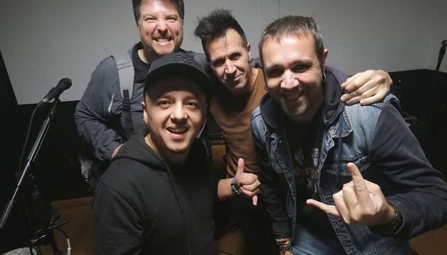 Los componentes del grupo de rock pamplonés El Desván.