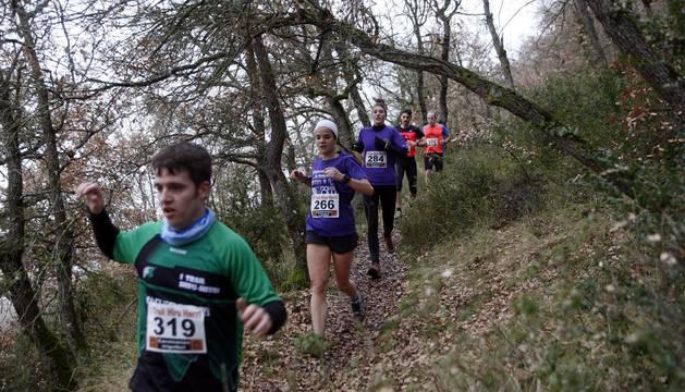 Ion Sola y Vanesa Pacha ganan el campeonato de la Federación Navarra de Atletismo en el I Trail Hiru Herri