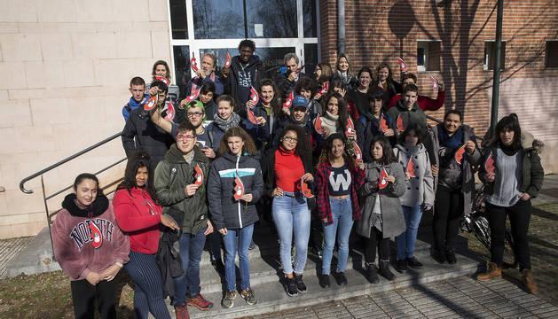 Participantes en la iniciativa realizada ayer en la Escuela Sanitaria de Pamplona.