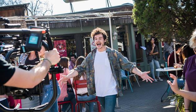 El cantante Miki, durante la grabación del videoclip de 'La venda'.