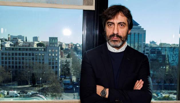 El periodista, guionista, presentador y productor Juan del Val (Madrid, 1970) ha obtenido el Premio Primavera de Novela 2019.