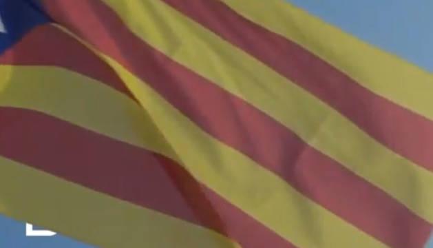 Fotograma del vídeo promocional de IBM para el Mobile World Congress en el que aparece la imagen de una estelada.