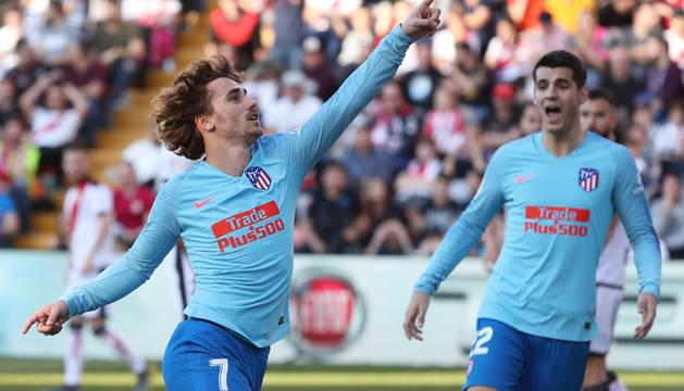 Griezmann y la fortuna alivian al Atlético