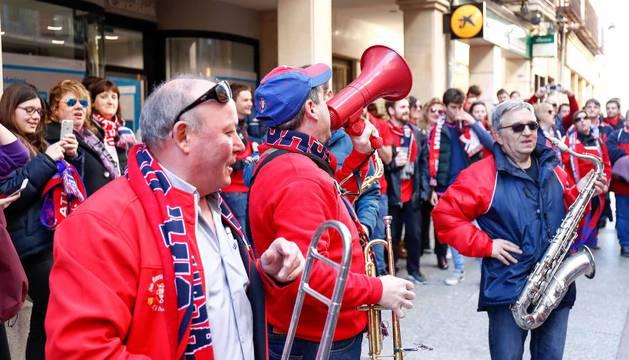 Imágenes de los aficionados rojillos en Soria, antes del partido contra el Numancia.