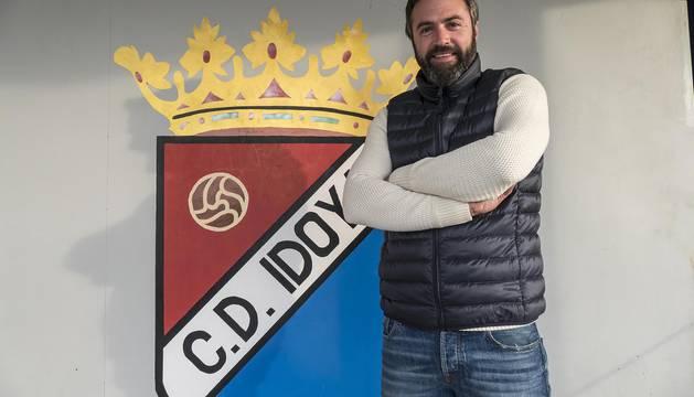 El delantero Eneko Viana ha vuelto a jugar con el Idoya después de que tomara la decisión de dejar el fútbol después de treinta años.