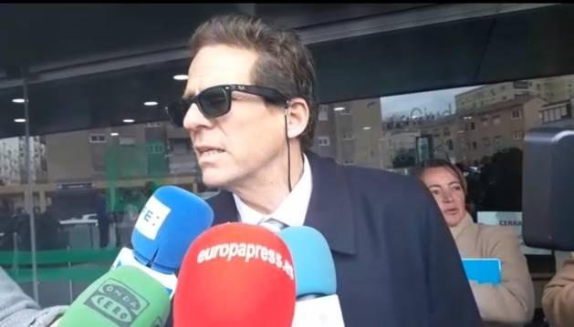 Foto del abogado de la acusada del crimen de Gabriel, Esteban Hernández Thiel