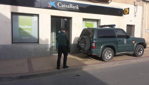 Atracan a punta de pistola una sucursal de La Caixa en Sartaguda