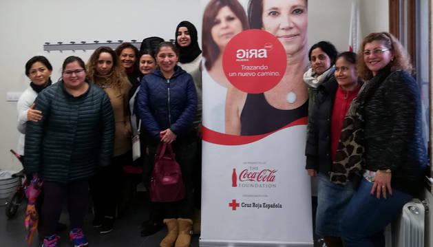 Algunas de las participantes en el taller de empleabilidad de Cruz Roja y Coca-Cola.