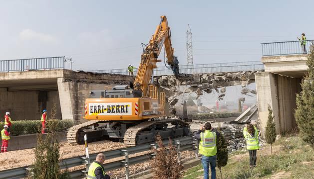 El tramo del puente de la N-121-C tardará en repararse dos meses