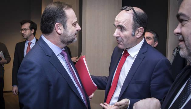 Ayerdi habló con Ábalos, antes del Foro Ser Navarra que el ministro protagonizó en enero en Pamplona.