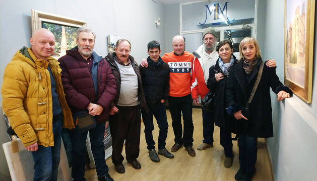 Algunos de los artistas, en la inauguración de la exposición. De izquierda a derecha: Dan Istúriz, Félix Flamarique, Daniel Flamarique, Jorge Silva, Michel Menéndez, Jesús López, Josune Iribarren y Pilar Rípodas.