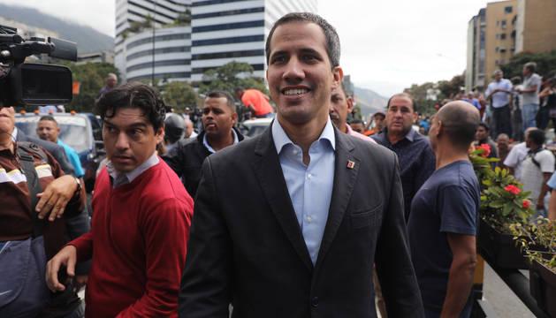 foto de El jefe del parlamento venezolano, Juan Guaidó, ha exigido el ingreso de ayuda humanitaria en el país.