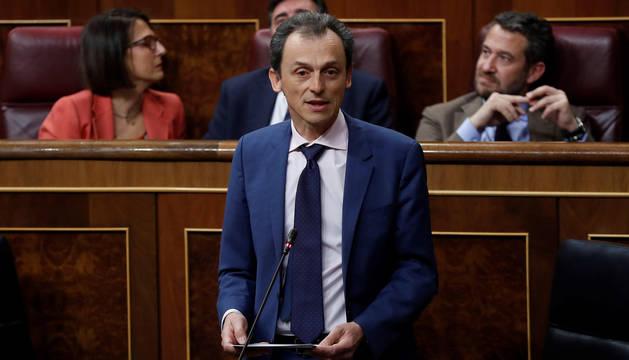 El ministro de Ciencia, Innovación y Universidades, Pedro Duque, en una sesión de control en el Congreso.