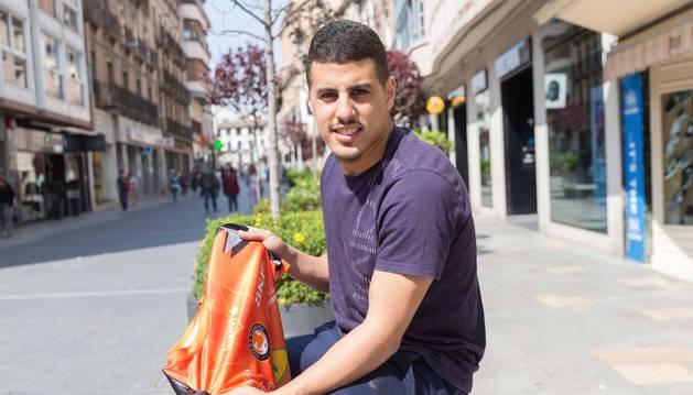 Foto del jugador del Palma Hamza, con la camiseta que lucía en su etapa como integrante del Aspil-Vidal.