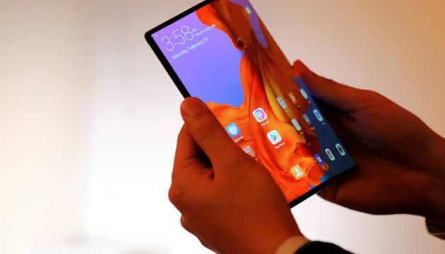 Foto de Mate X, la apuesta de Huawei con los dispositivos plegables.