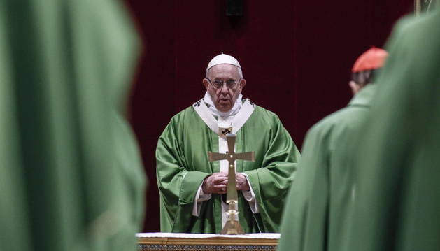 Imagen del Papa Francisco en la eucaristía que se ha celebrado este domingo, dentro de cumbre antipederastia.