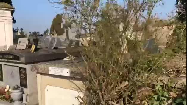 Sánchez visita la tumba del expresidente Azaña en Francia