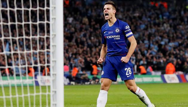foto de Celebración de Azpilicueta tras marcar el penalti ante el Manchester City
