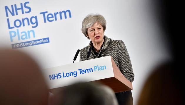 Aumenta la presión sobre May para que acepte aplazar el