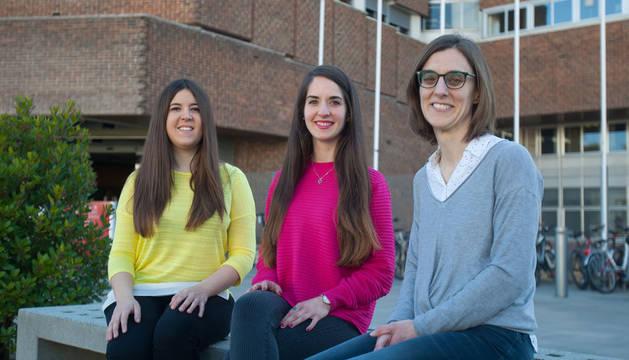 De izquierda a derecha, María Lasa, Maialen Palomino y Estíbaliz Erviti.