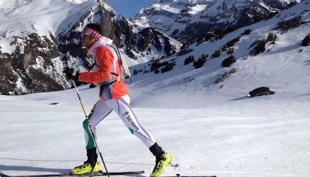 Luis Alberto Hernando, esquiando en la zona de Astún.